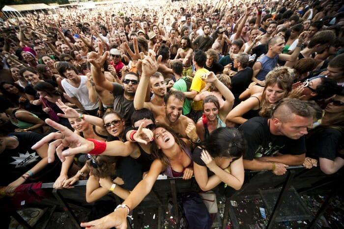 capturing crowds with your camera