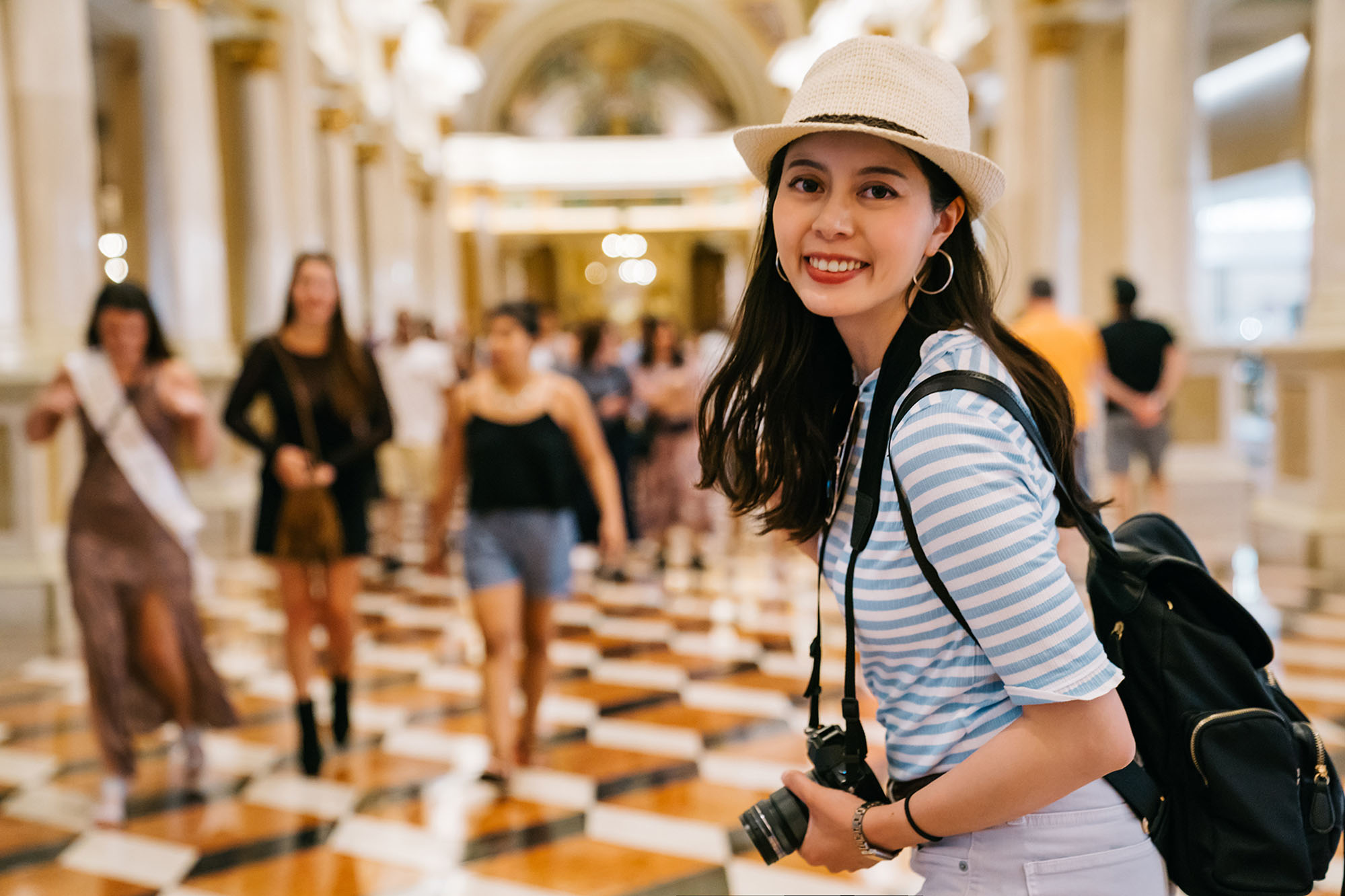 girl in hat at shopping centre street photography portrait city people camera subject light how to tutorial guide